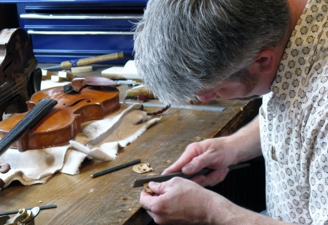 Damon Gray, Violin Maker